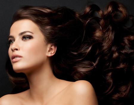 Bảy tuyệt chiêu giữ nếp các kiểu tóc xoăn