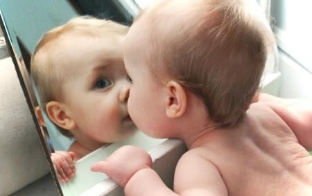 Kích thích trí thông minh cho trẻ từ trong bụng mẹ