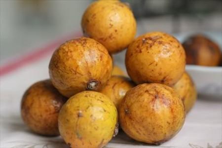 Sấu chín dầm muối ớt - mon ngon báo hiệu thu Hà Nội