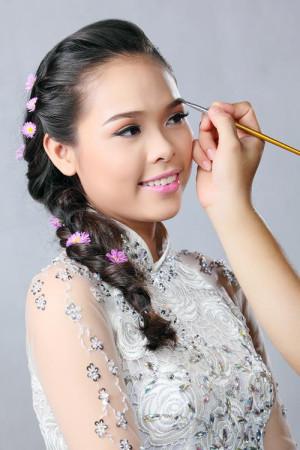 Xu hướng trang điểm cô dâu được ưa chuộng nhất 2015