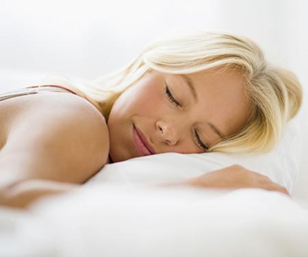 Tiết lộ bí quyết chăm sóc sắc đẹp trong khi ngủ