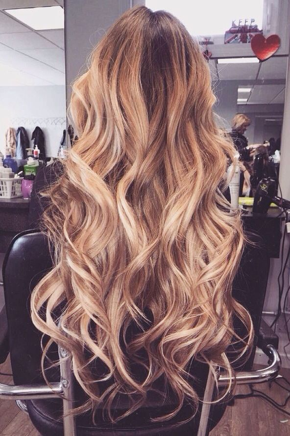 Các kiểu tóc xoăn đẹp phù hợp với gương mặt tròn