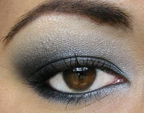 """Cách trang điểm mắt khói """"bí quyết"""" thu hút mọi ánh nhìn"""
