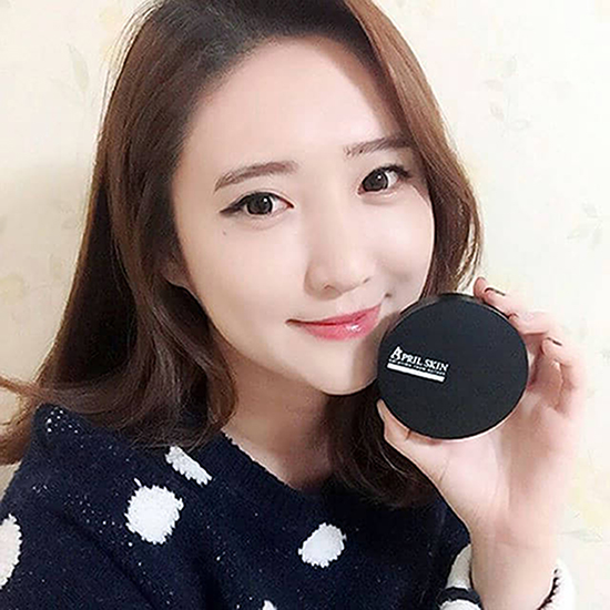 """Giải mã """"ma thuật"""" mỹ phẩm Hàn Quốc - phấn nước April Skin"""