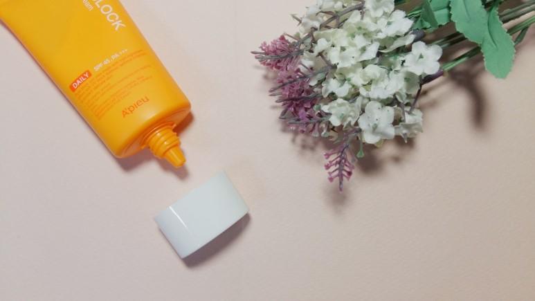 Kem Chống Nắng A'pieu Pure Block Natural Daily Sun Cream SPF 45 PA+++