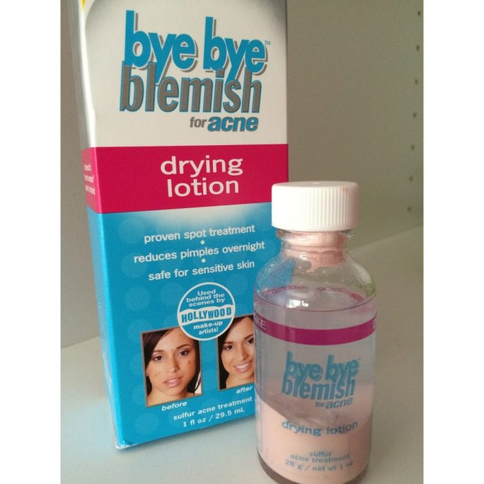 kem-tri-mun-bye-bye-blemish-drying-lotion-12