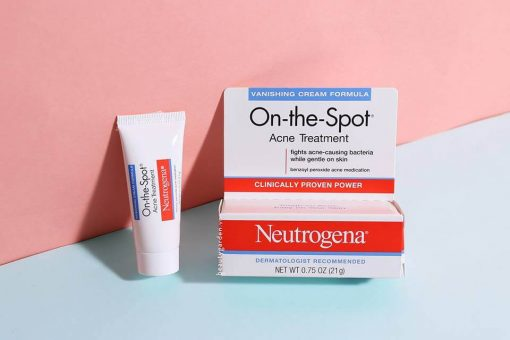 kem-tri-mun-neutrogena-on-the-spot-acne-3