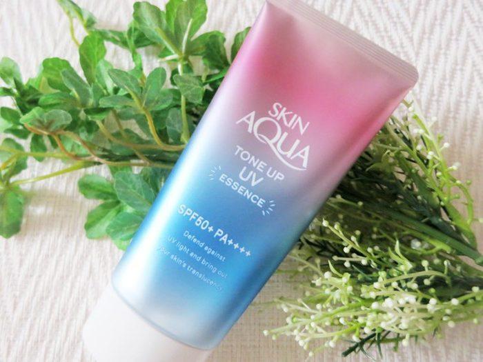 Kem chống nắng Skin Aqua Tone Up UV Essence SPF 50+ PA++++