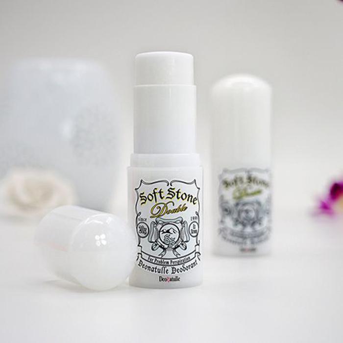 Lăn Khử Mùi Đá Khoáng Soft Stone Nhật Bản 20gr 2
