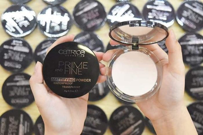 Phấn Phủ Catrice Prime And Fine Wterproof Mattifying Powder
