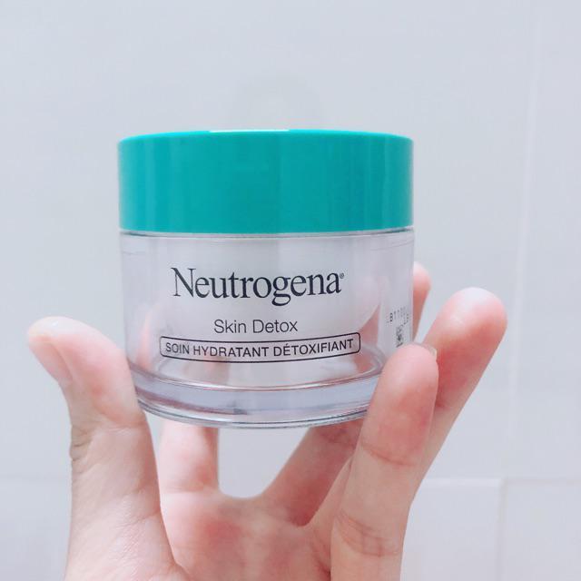 Kem Dưỡng Ẩm Thải Độc Neutrogena Skin Detox Soin Hydratant Détoxifiant